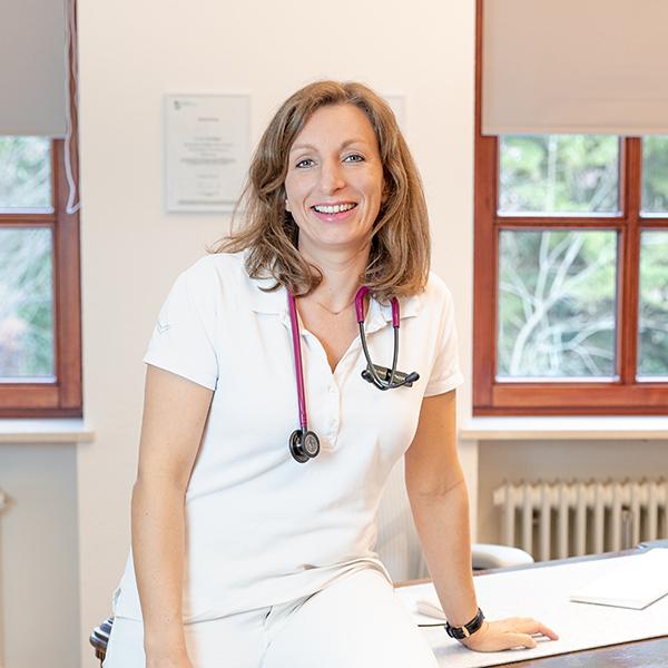 Dr med Nina Plappert